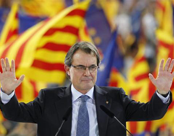 رئيس حكومة كاطالونيا يصر على تنظيم الاستفتاء رغم طعن المحكمة الدستورية
