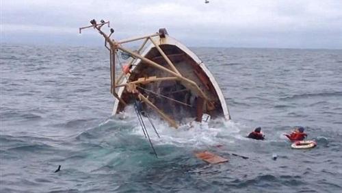 مصرع بحار وإنقاذ تسعة آخرين في حادث غرق مركب للصيد بالساحل الغربي لطنجة
