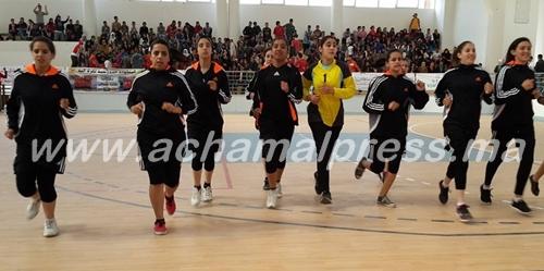 فتيات القصر الكبير يتفوقن في البطولة الجهوية لكرة اليد ويفزن بدرعها الممتاز