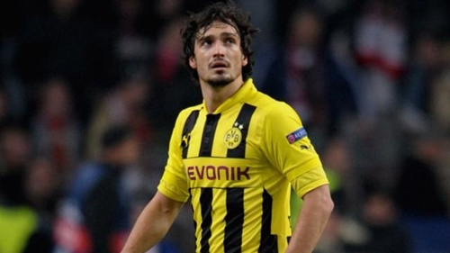 """""""هاميلس"""" يكشف عن رغبته في اللعب لبرشلونة"""