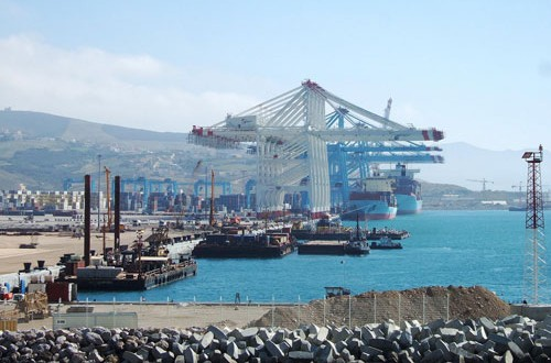 ميناء طنجة المتوسطي يحتل المرتبة الخامسة عالميا في حركة التجارة البحرية