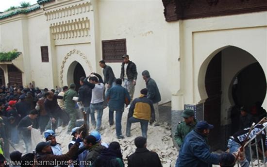 إصابة شخصين في حادث إنهيار سقف مسجد على رؤوس المصلين بطنجة