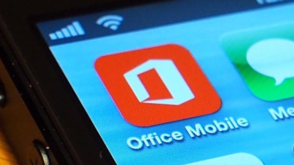 """مايكروسوفت تجعل تطبيقات """"أوفيس"""" للهواتف الذكية مجانية بالكامل"""