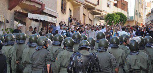 مواجهات عنيفة بين الشرطة ومواطنين يطالبون بإطلاق سراح متهم بترويج المخدرات بطنجة