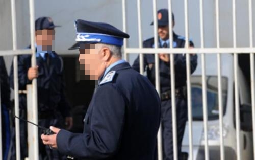 إيقاف ثلاثة شرطيين بطنجة على خلفية حجز أزيد من 9 كيلوغرامات من الكوكايين