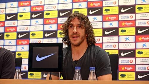 بويول يعلن رسميا رحيله عن برشلونة