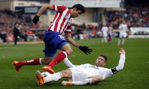 ريال مدريد يخرج من الديربي بتعادل ثمين يحافظ به على صدارة الدوري الاسباني