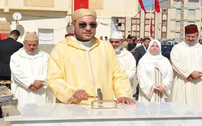 الملك محمد السادس يحل بمدينة طنجة واستنفار أمني لتأمين الزيارة