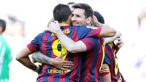 ثنائية ميسي تقود برشلونة للفوز على ريال بيتيس