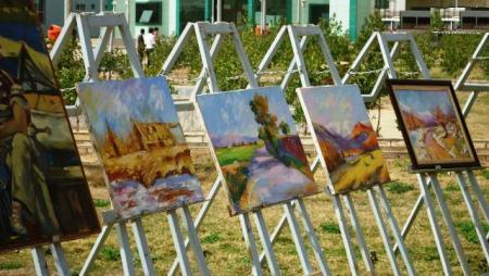 تطوان.. تنظيم معرض للوحات التشكيلية من إبداع نزلاء المؤسسة السجنية