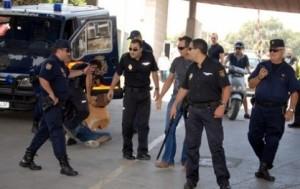 اعتقال مغربي اعتدى على شرطي اسباني بالمعبر الحدودي باب مليلية