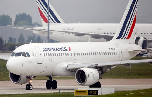 تغيير مسار طائرتين فرنسيتين بعيد إقلاعهما من الولايات المتحدة بسبب تهديدات أمنية
