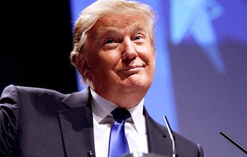"""غالبية الأميركيين ترفض عدائية """"دونالد ترامب"""" ضد المسلمين"""
