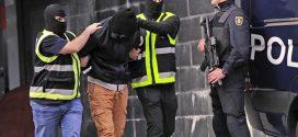 """الشرطة الاسبانية تعتقل مغربيا يشتبه في تجنيده مقاتلين لـ""""داعش"""""""