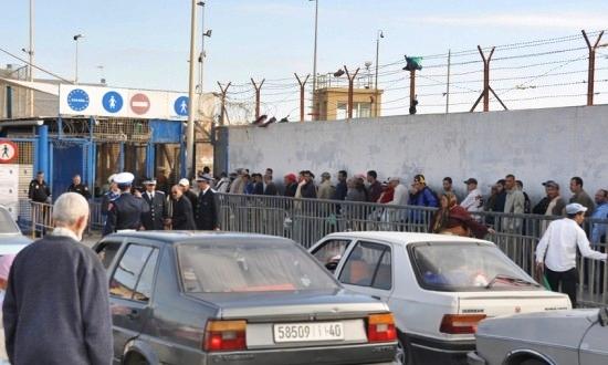 المغرب يمنع سيارات التهريب من إدخال السلع عبر معبر باب سبتة