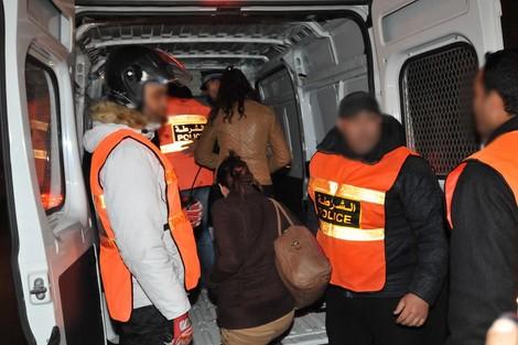 أمن طنجة يداهم فيلا للدعارة والسكر العلني ويعتقل 15 شخصا بينهم 9 فتيات