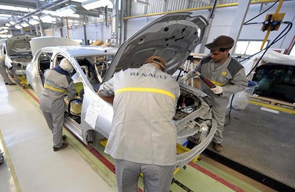 رونو تعلن إعادة فتح مصنعيها بطنجة والدارالبيضاء