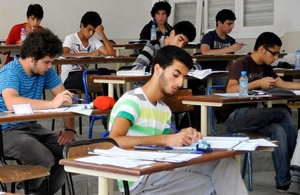وزارة التعليم تدعو المترشحين الأحرار لامتحانات البكالوريا لتفعيل البريد الإلكتروني