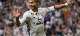"""""""كريستيانو رونالدو"""" يقرر مغادرة ريال مدريد بعد ازمة الضرائب"""