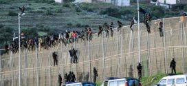 السلطات المغربية تحبط محاولة تسلل 250 مهاجر افريقي الى سبتة المحتلة