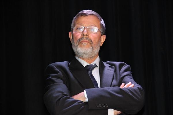 تحالف من 7 احزاب يضمن للبرلماني السيمو الاحتفاظ برئاسة جماعة القصر الكبير