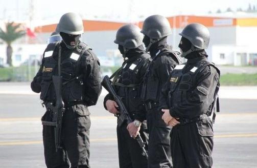 مغادرة عائلة أفغانية مطار طنجة بجوازات سفر مزورة يستنفر الأجهزة الأمنية