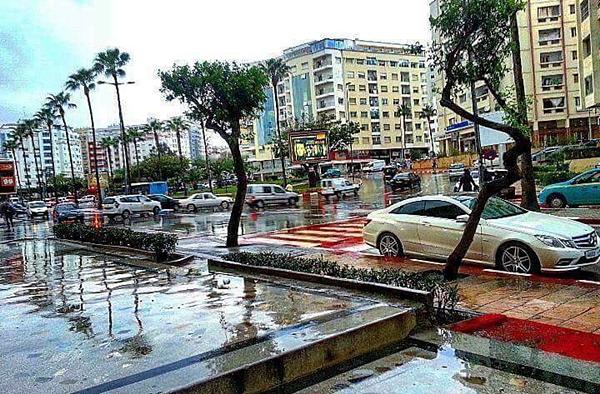 مديرية الأرصاد تتوقع استمرار نزول أمطار عاصفية بمنطقة طنجة