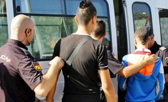 ايقاف قاصرين مغربيين بميناء سبتة حاولا التسلل الى باخرة متجهة إلى إسبانيا