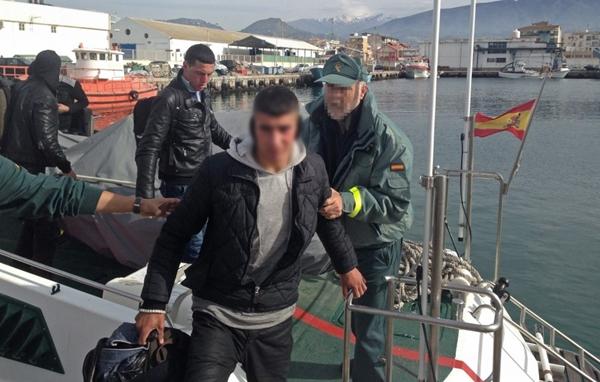 البحرية الاسبانية تعترض قاربا على متنه 12 مهاجرا مغربيا  قبالة سواحل سبتة
