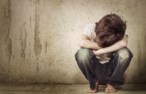 اغتصاب طفل مغربي على يد 4 زملائه داخل مرحاض مدرسة بإسبانيا