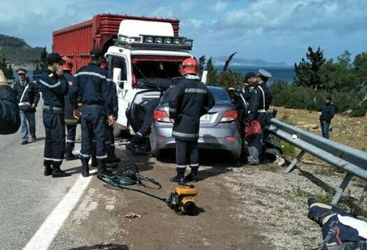مصرع 4 اشخاص من عائلة واحدة في حادثة سير بين تطوان وواد لاو