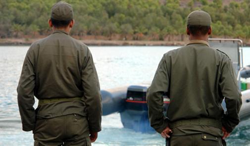 ايقاف عناصر من القوات المساعدة بالعرائش لتورطهم في تسهيل عمليات الهجرة السرية