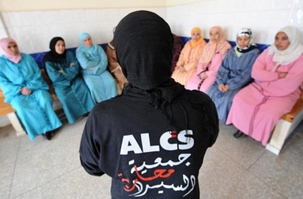 """70% من النساء المغربيات أصبن بـ """"السيدا"""" عن طريق أزواجهن"""