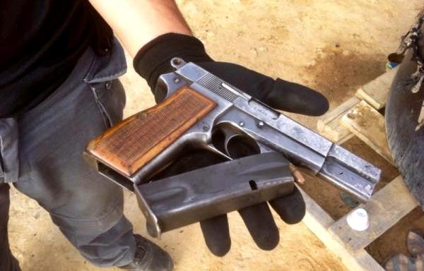 العثور على مسدس بمطرح النفايات يستنفر الأجهزة الأمنية بطنجة