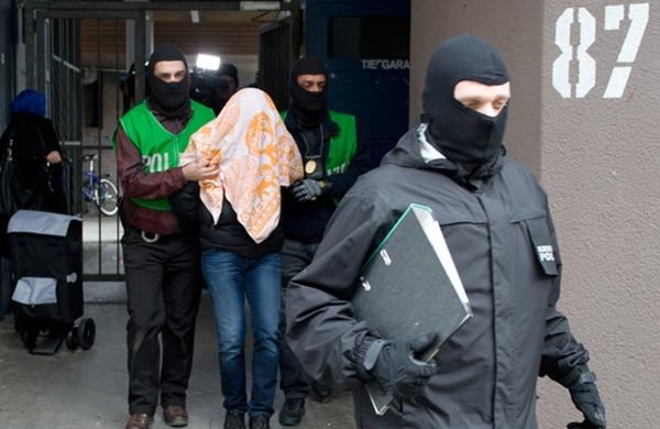 """اسبانيا تطرد إماما مغربيا دعا لمخالفة دستور البلاد وتطبيق """"قانون الله"""""""