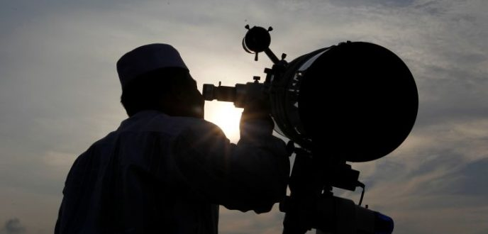 مركز الفلك الدولي يحدد أول أيام عيد الفطر في معظم دول العالم