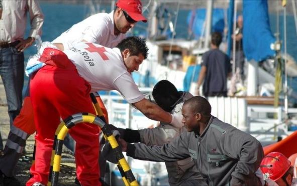 مصرع 4 مهاجرين وانقاذ 76 اخرين انطلقوا من السواحل الشمالية للمملكة