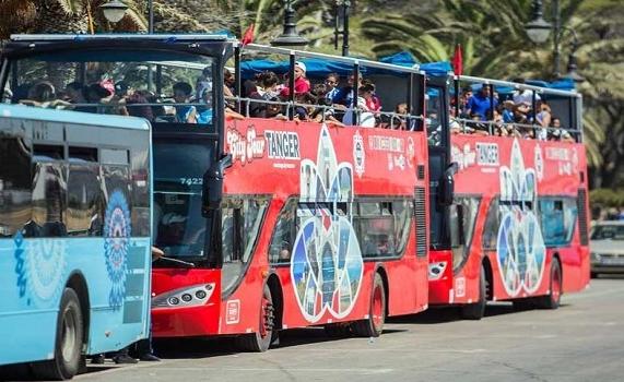 حقوقيون يطالبون بإلغاء قرار التمييز في السعر بين مستعملي الحافلات السياحية بطنجة