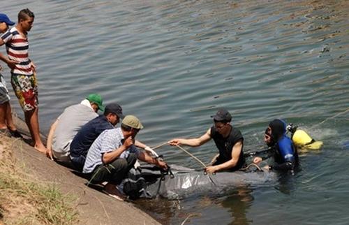 """انتشال جثة شرطي لقي مصرعه غرقا في بحيرة """"واد الرمل"""" ضواحي طنجة"""