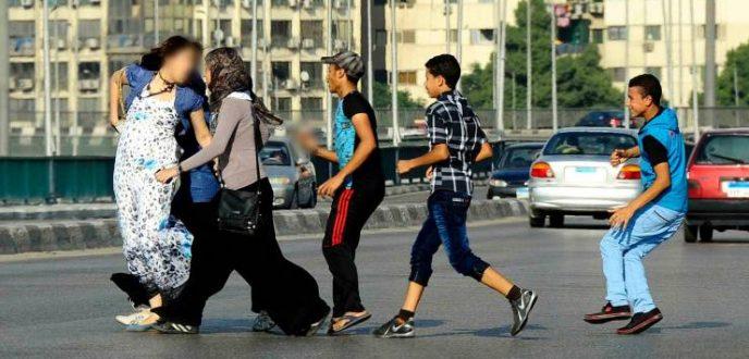 قانون تشديد العقوبات على التحرش والعنف ضد النساء يدخل حيز التنفيذ