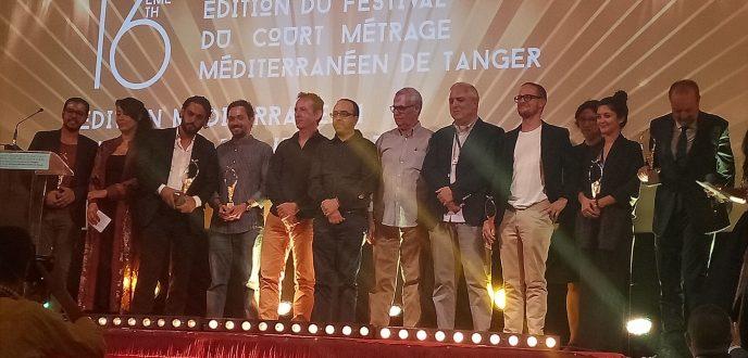 """فيلم """"في الأزرق"""" يتوج بالجائزة الكبرى لمهرجان الفيلم المتوسطي بطنجة"""