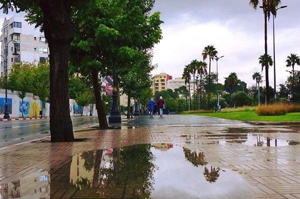 """مدن """"جهة طنجة"""" الأكثر استقبالا للأمطار خلال 24 ساعة الماضية"""