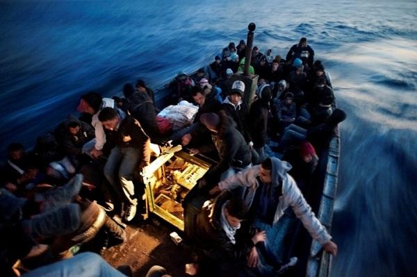 4 مغاربة من أصل 10 يرغبون بالهجرة فور ما تتاح لهم الفرصة