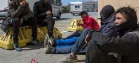 تسلل أزيد من 1127 قاصرا مغربيا داخل مليلية المحتلة خلال الشهر الماضي