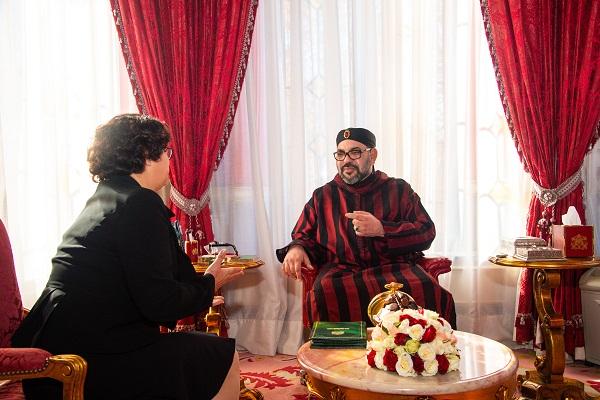 """الملك يعين لطيفة أخرباش رئيسة لـ """"الهاكا"""" وبنعيسى مديرا عاما"""