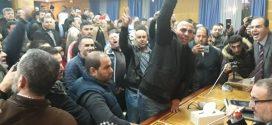 """""""البلوكاج"""" والاحتجاجات يشلان جماعة طنجة"""