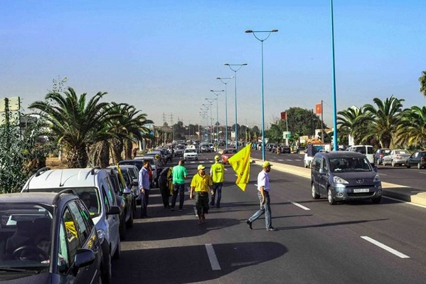 الكونفدرالية الديمقراطية للشغل تدعو لمسيرة احتجاجية بالسيارات في اتجاه طنجة