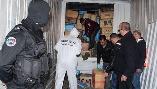 حجز أطنان من المخدرات بشاحنة للنقل الدولي بضواحي طنجة
