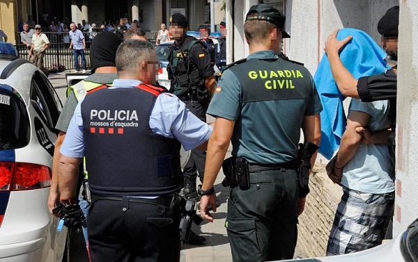 تفكيك شبكة تحتجز قاصرين مغاربة بإسبانيا وتطالب أسرهم بفدية