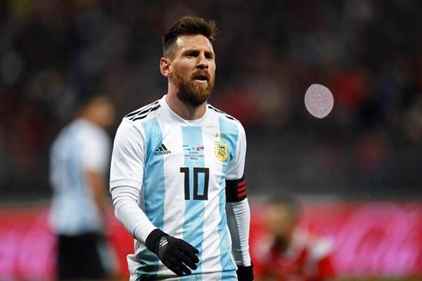 """إيقاف """"ميسي"""" عن اللعب لمنتخب الأرجنتين 3 أشهر بسبب تصريحاته المسيئة"""